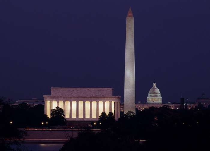 Lincoln Memorial and Washington Monument in Washington D.C.